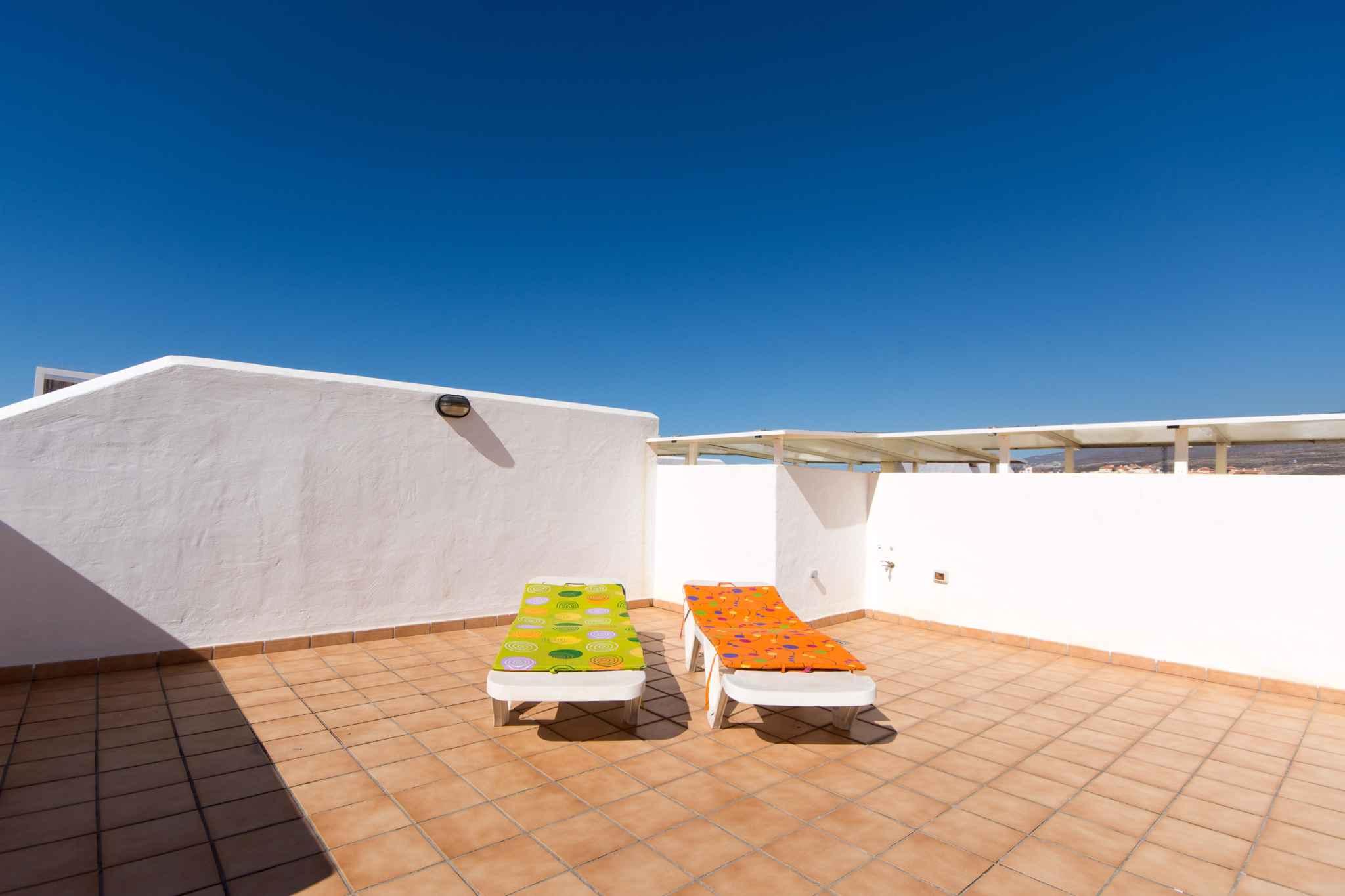 Holiday apartment mit Pool zur gemeinsamen Nutzung (2382910), Los Cristianos, Tenerife, Canary Islands, Spain, picture 4