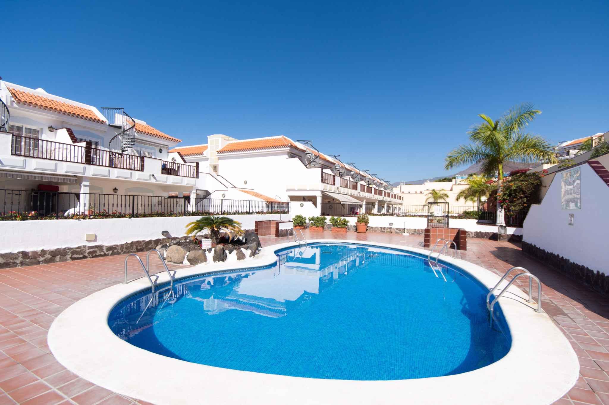 Holiday apartment mit Pool zur gemeinsamen Nutzung (2382910), Los Cristianos, Tenerife, Canary Islands, Spain, picture 5