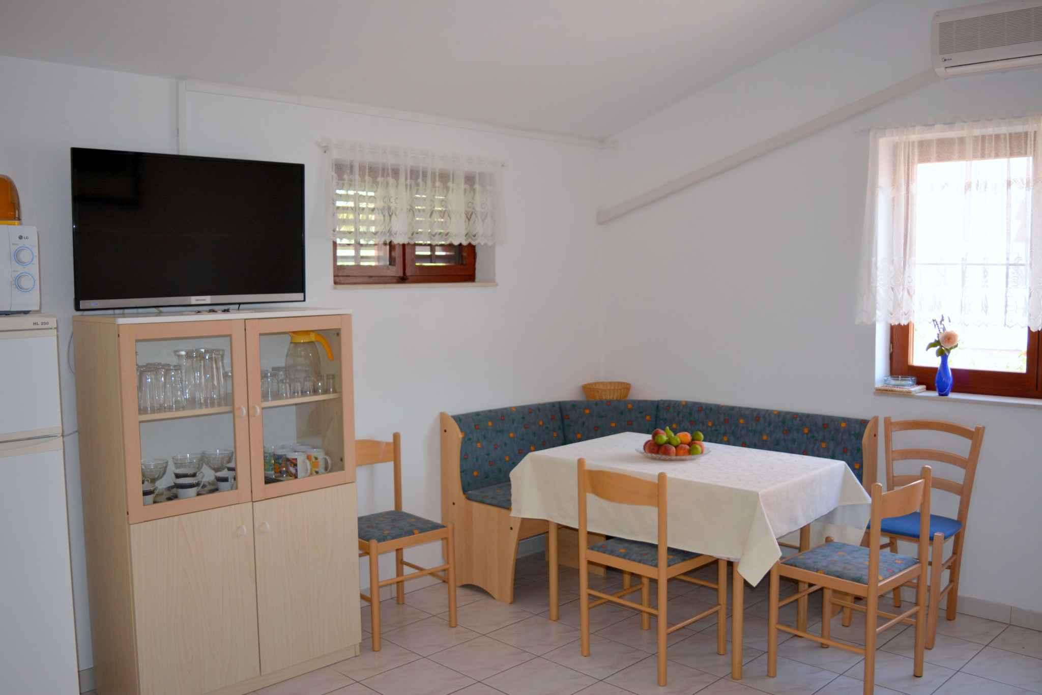 Ferienwohnung mit 25 qm großem Balkon und Klimaanlage (278782), Vodice, , Dalmatien, Kroatien, Bild 10