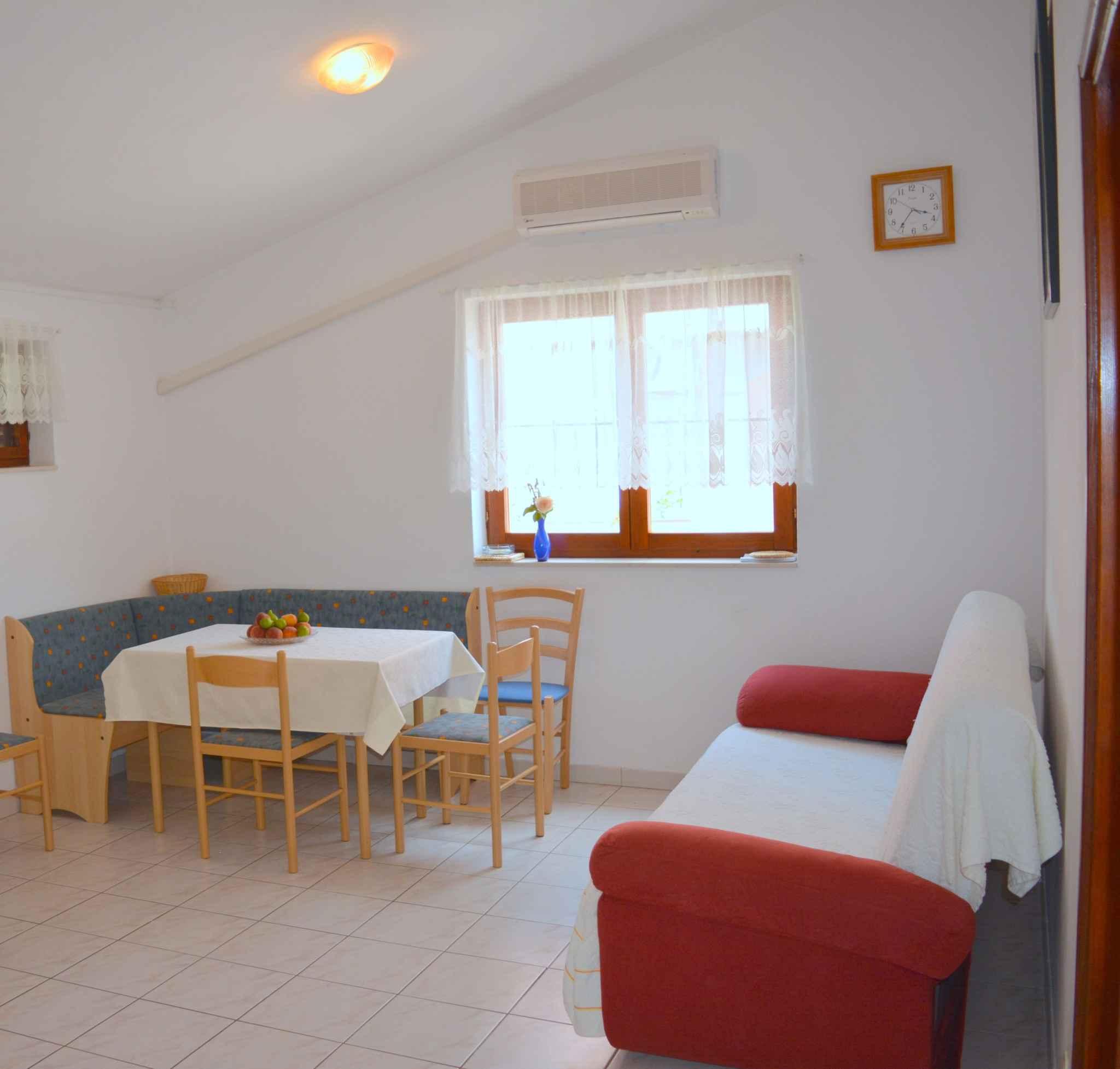 Ferienwohnung mit 25 qm großem Balkon und Klimaanlage (278782), Vodice, , Dalmatien, Kroatien, Bild 16