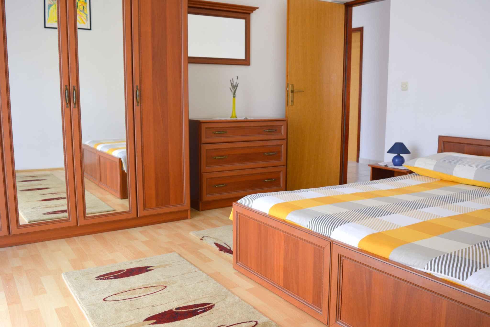 Ferienwohnung mit 25 qm großem Balkon und Klimaanlage (278782), Vodice, , Dalmatien, Kroatien, Bild 17