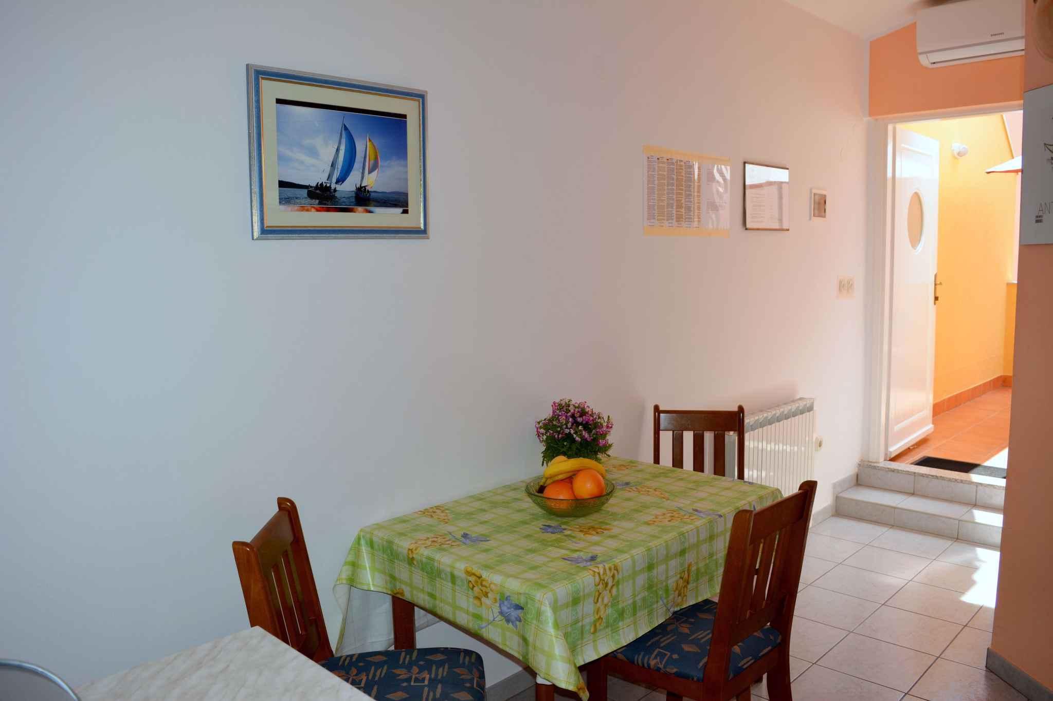Appartement de vacances mit Terrasse (278775), Vodice, , Dalmatie, Croatie, image 6