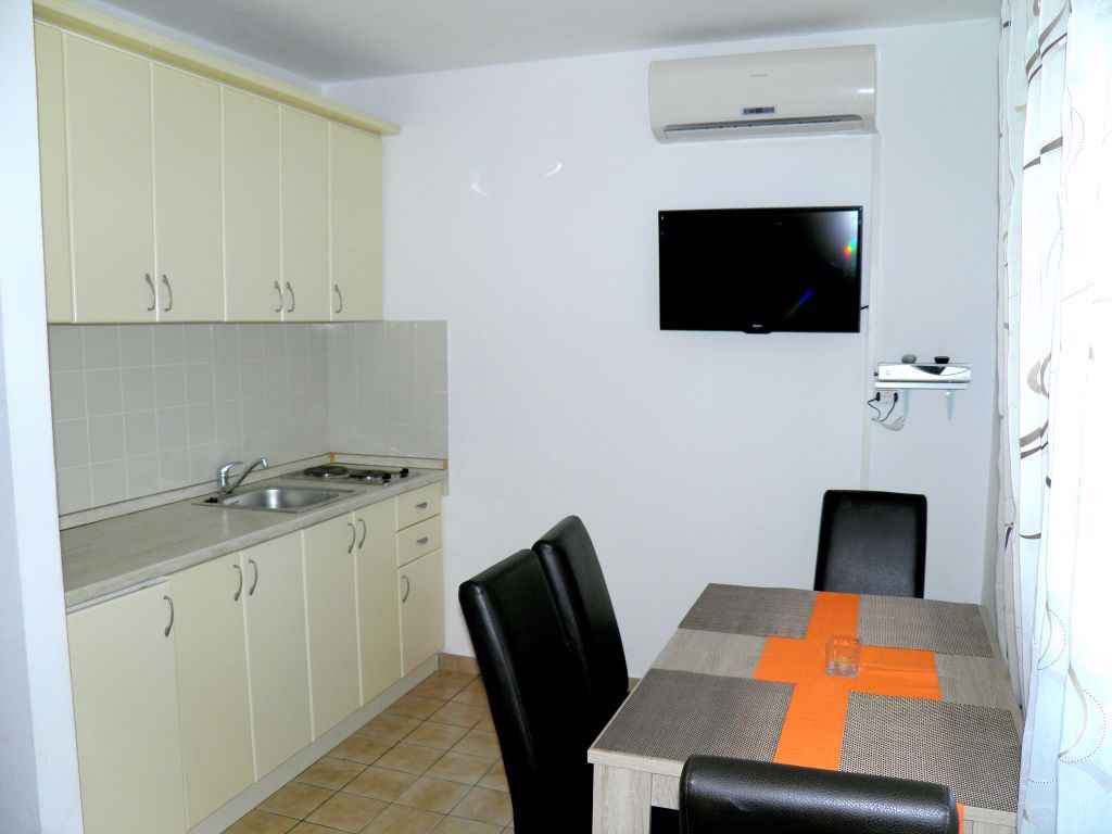 Ferienwohnung mit Klimaanlage und Balkon (278816), Vodice, , Dalmatien, Kroatien, Bild 3