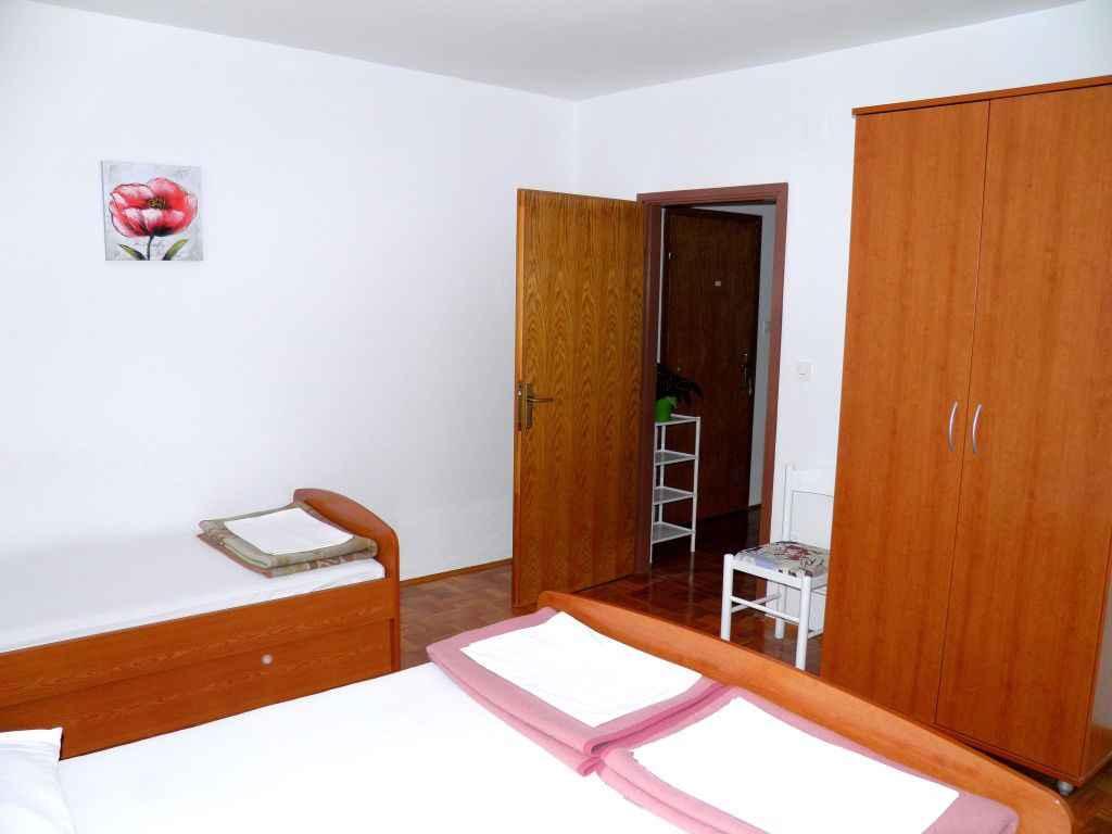 Ferienwohnung mit Klimaanlage und Balkon (278816), Vodice, , Dalmatien, Kroatien, Bild 10
