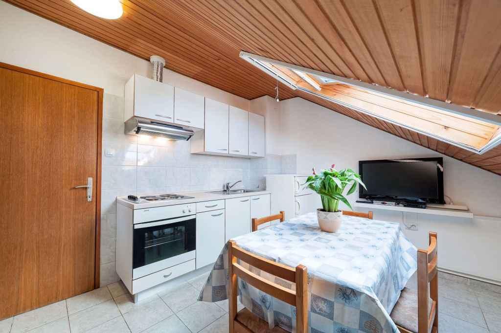 Ferienwohnung mit Klimaanlage und Balkon (278866), Vodice, , Dalmatien, Kroatien, Bild 7
