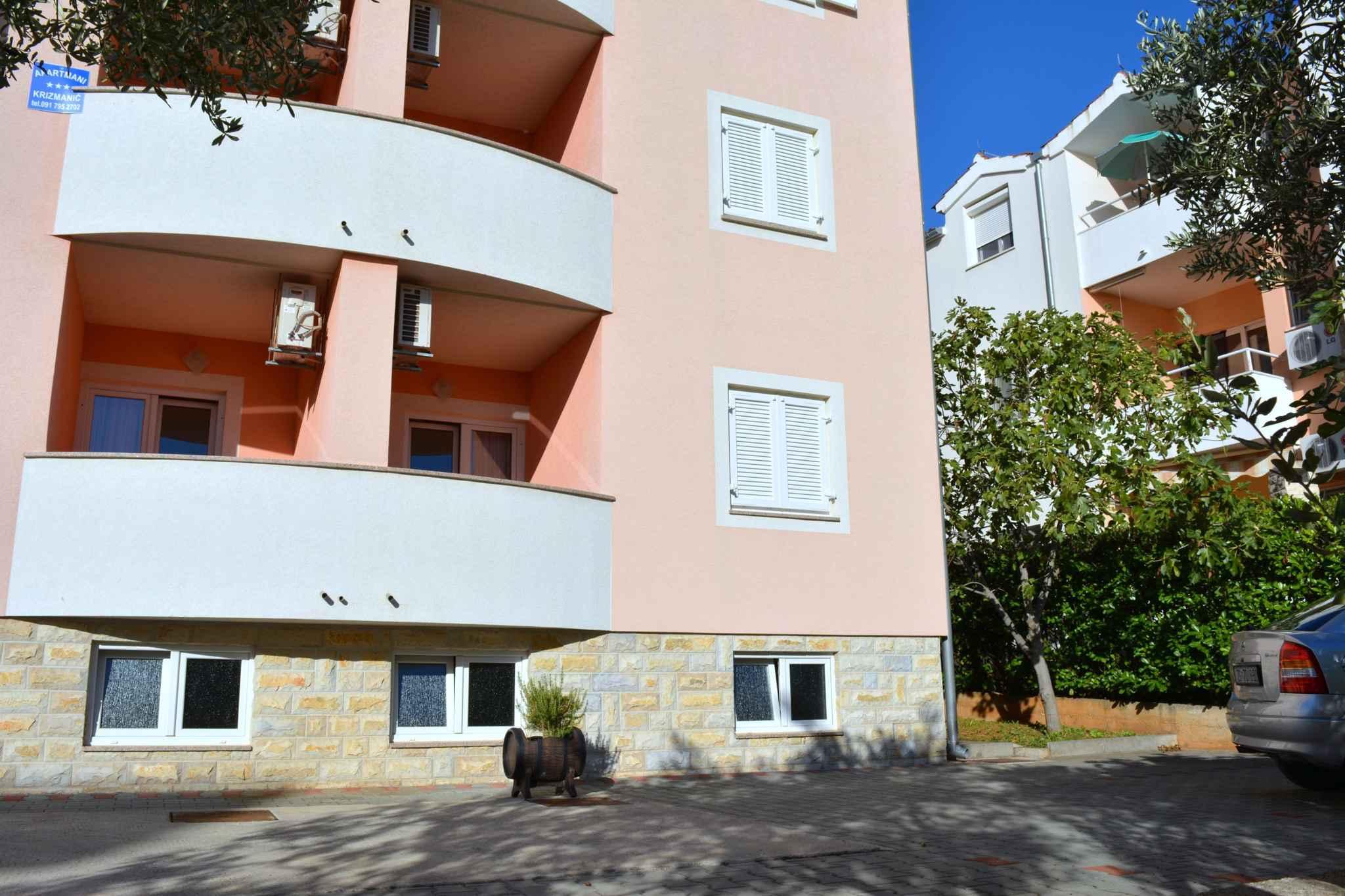 Ferienwohnung mit Internet in der Nähe der Adria (278861), Vodice, , Dalmatien, Kroatien, Bild 2