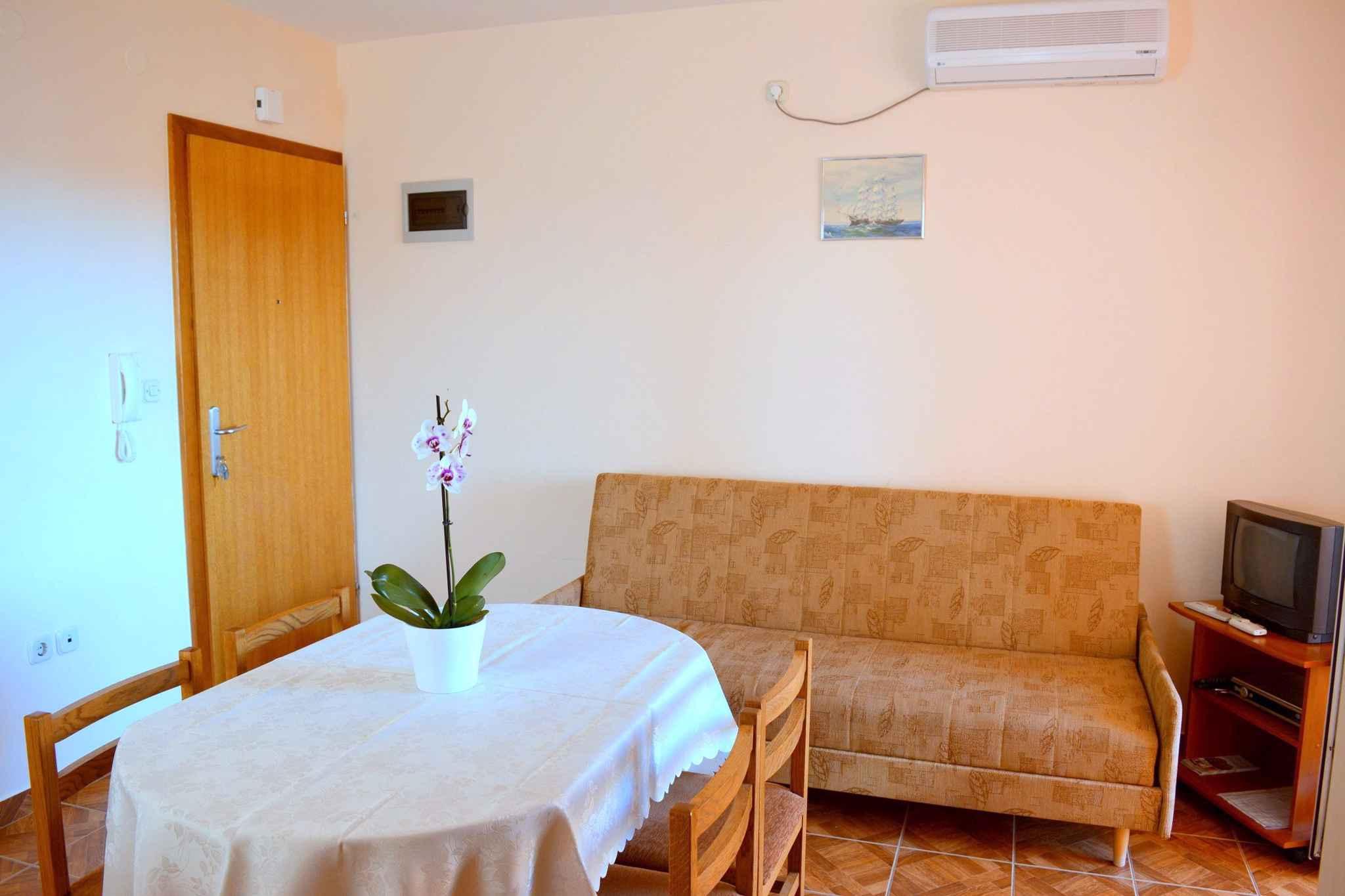 Ferienwohnung mit Internet in der Nähe der Adria (278861), Vodice, , Dalmatien, Kroatien, Bild 9