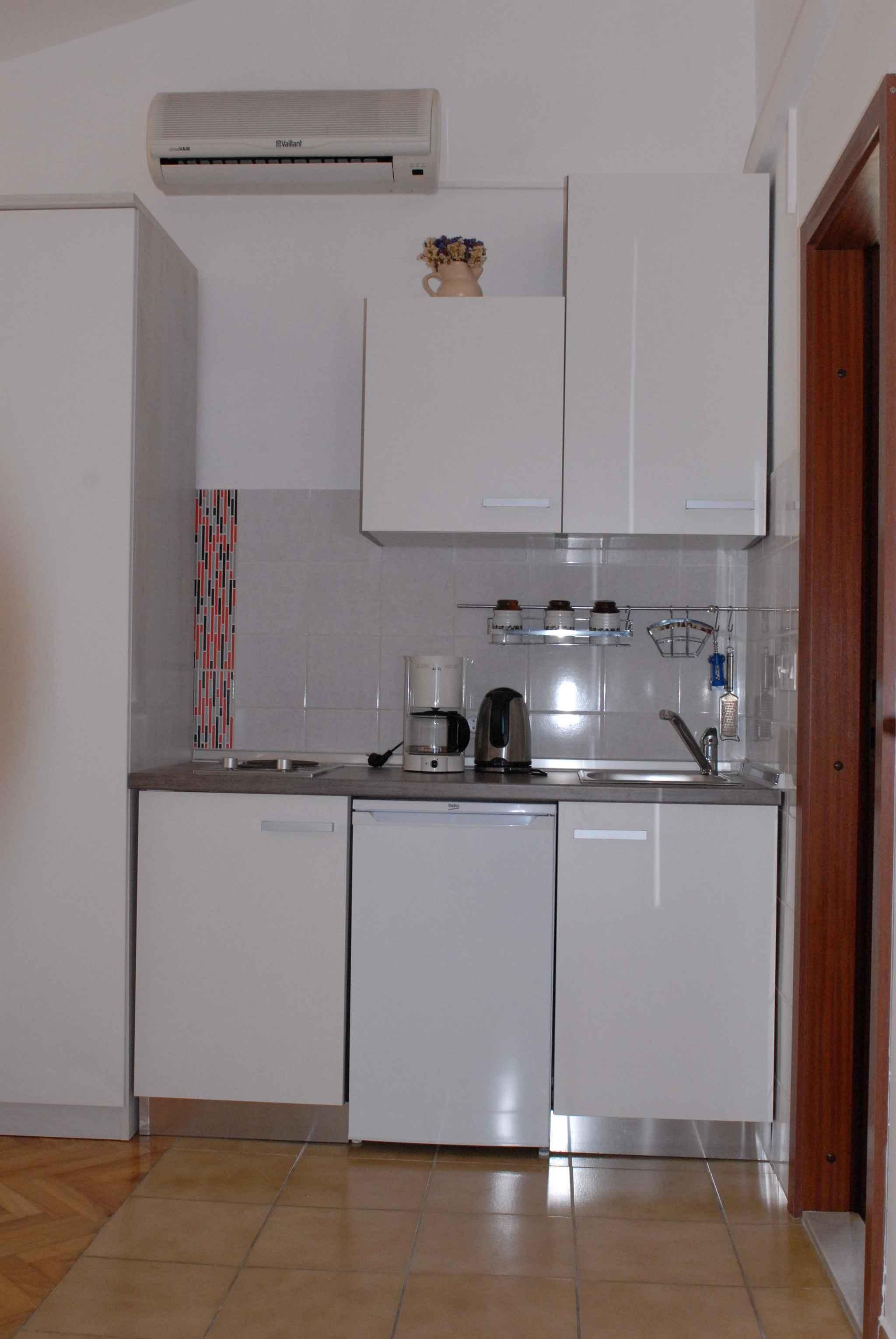 Ferienwohnung in Adrianähe mit Klimaanlage (278893), Zadar, , Dalmatien, Kroatien, Bild 13