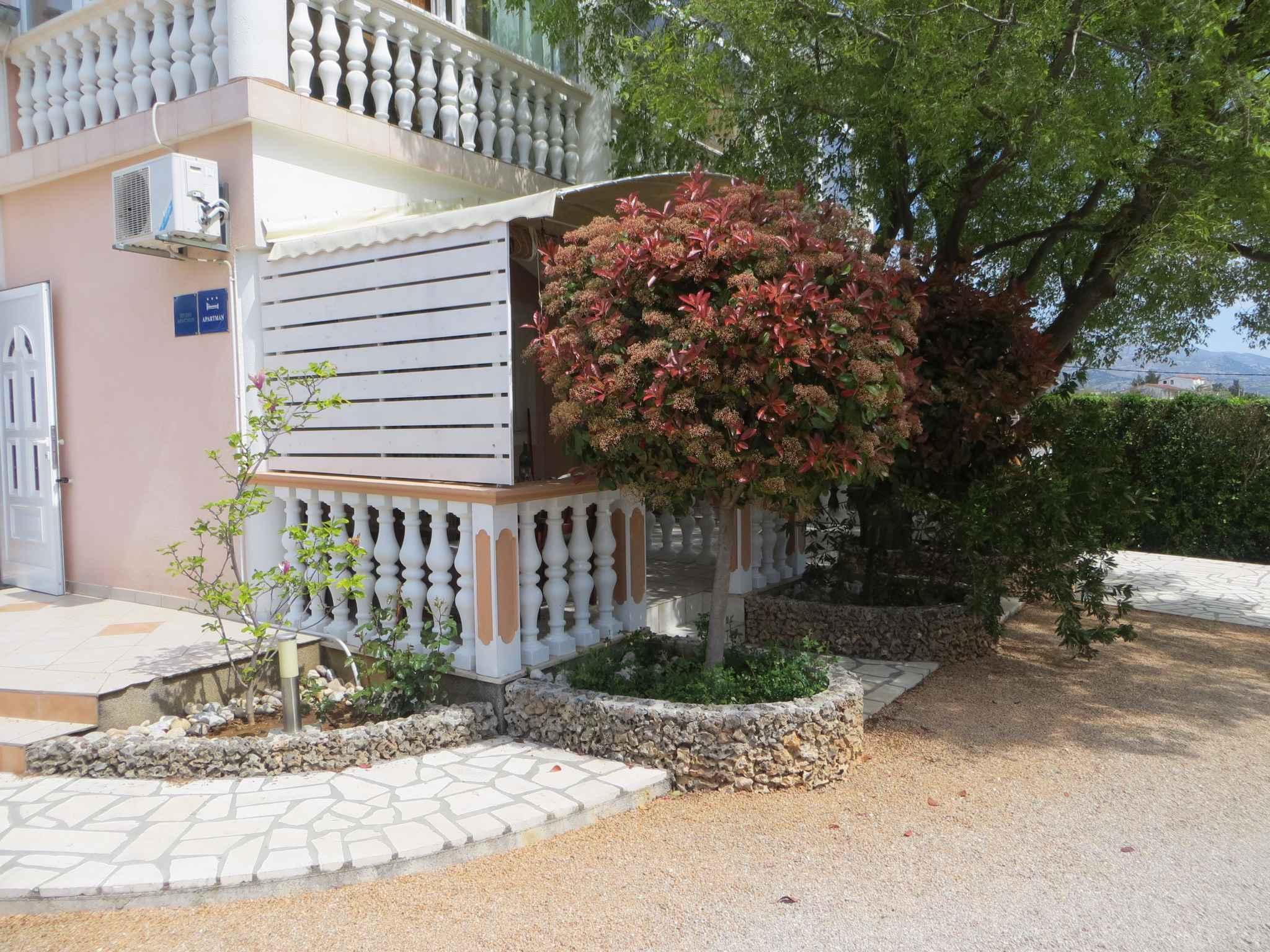 Ferienwohnung mit Klimaanlage nur 300 m zur Adria (287926), Starigrad Paklenica, , Dalmatien, Kroatien, Bild 3