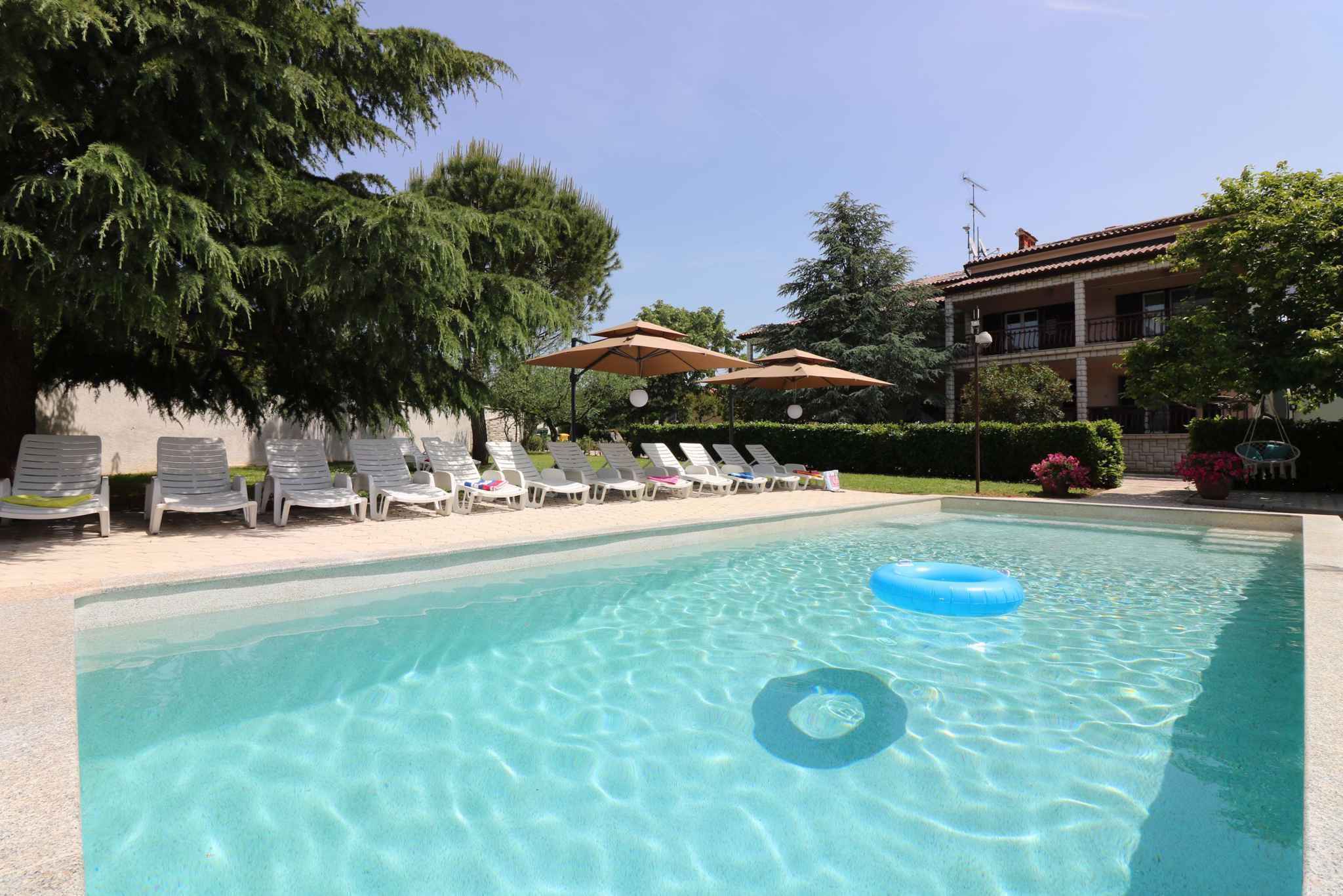 Ferienhaus Bungalow mit Swimmingpool und Klimaanlage (280266), Porec, , Istrien, Kroatien, Bild 4