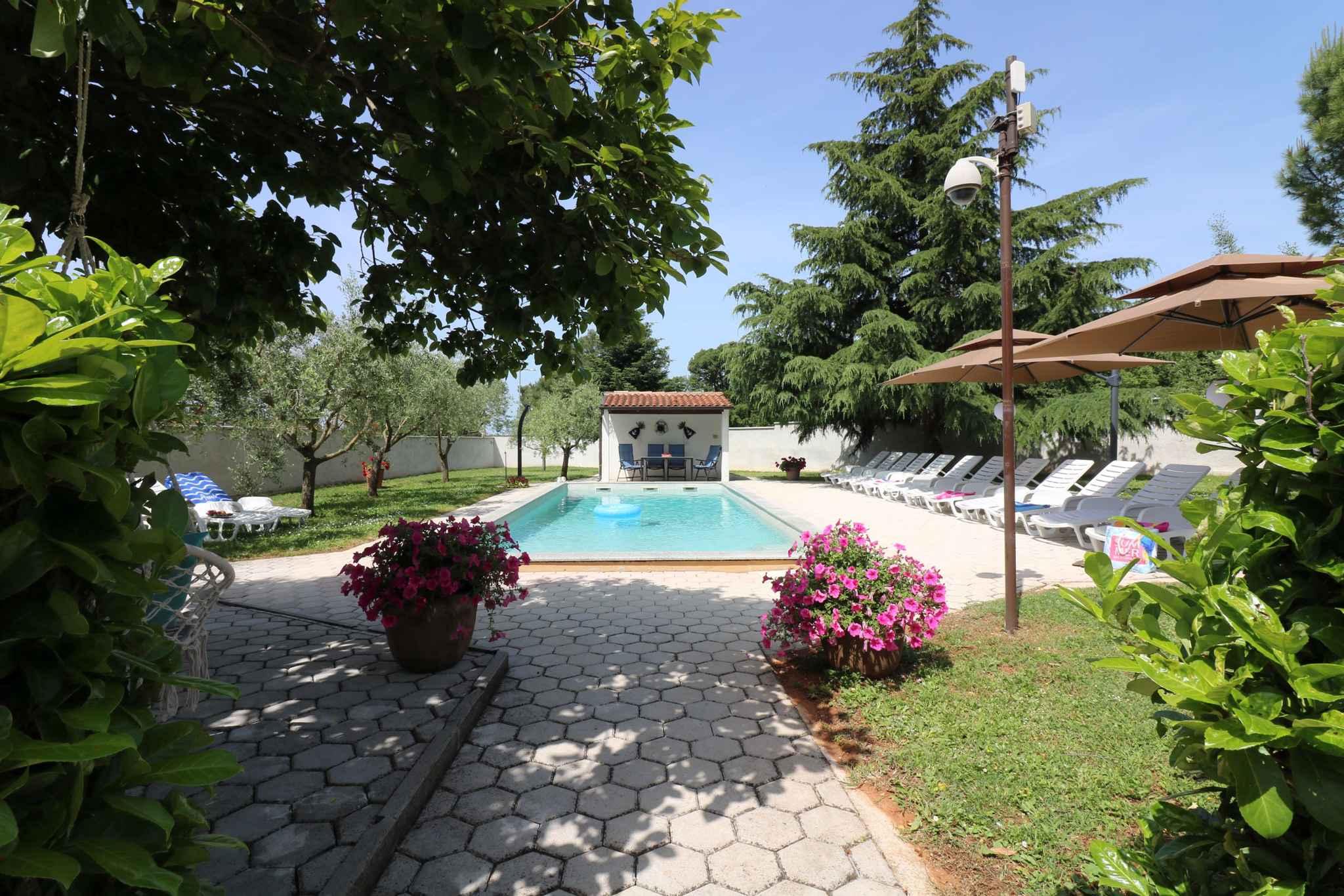 Ferienhaus Bungalow mit Swimmingpool und Klimaanlage (280266), Porec, , Istrien, Kroatien, Bild 8