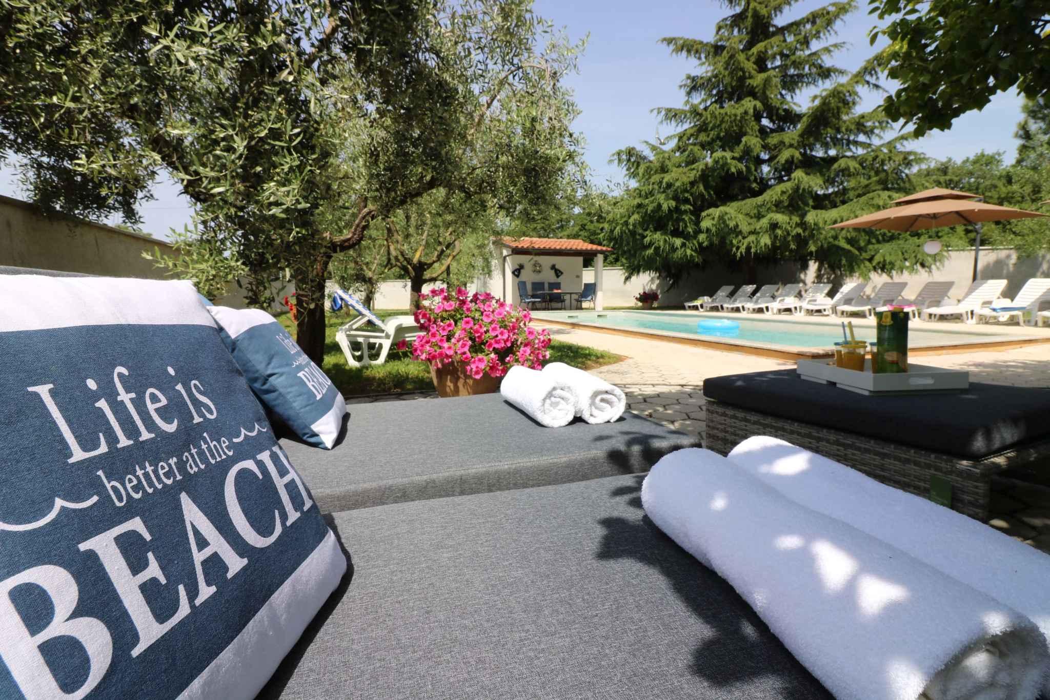Ferienhaus Bungalow mit Swimmingpool und Klimaanlage (280266), Porec, , Istrien, Kroatien, Bild 9